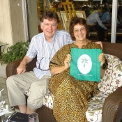 Gordon & Genevieve Mackinlay with their bag at the Taj Palace Hotel, Delhi