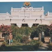 Michael Manser at Kankee Palace, Chhattisgarh, with his Neem Tree Trust bag